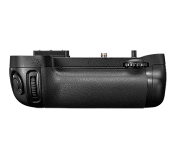 nikon_multi-power_battery_pack_mb-d15_35